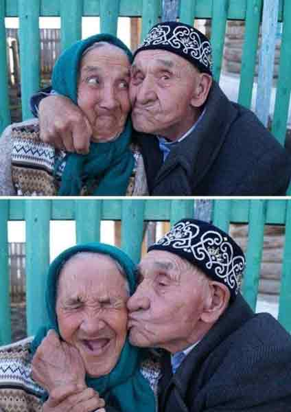 Old couple are showing young love.